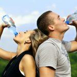 12. Пийте колкото можете повече филтрирана, нехлорирана вода.