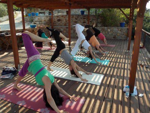 Йога овладява стреса